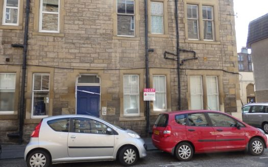 2 Bedroom Flat, 17 Lochrin Place, Edinburgh, Tollcross, EH3 9QT